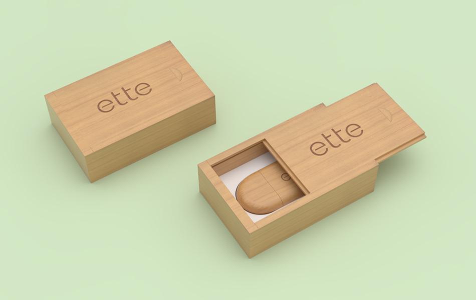 dřevená krabička na usb disk